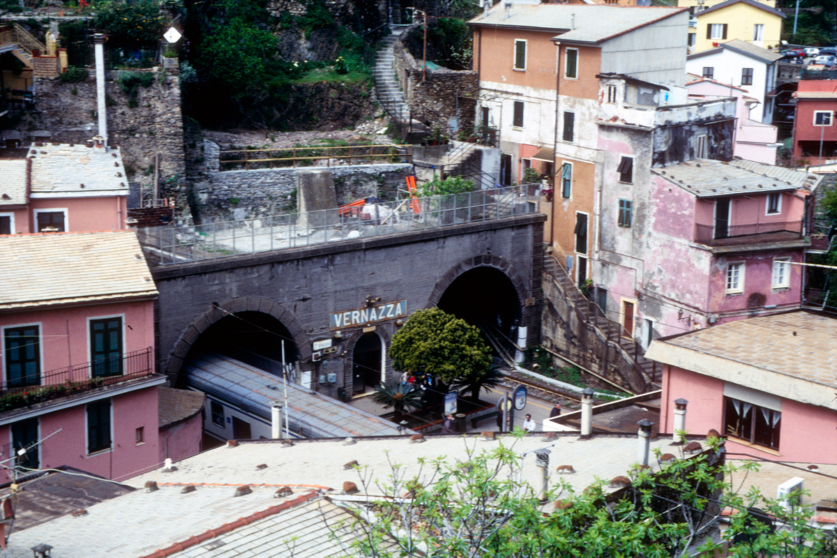 Vernazza Train Station
