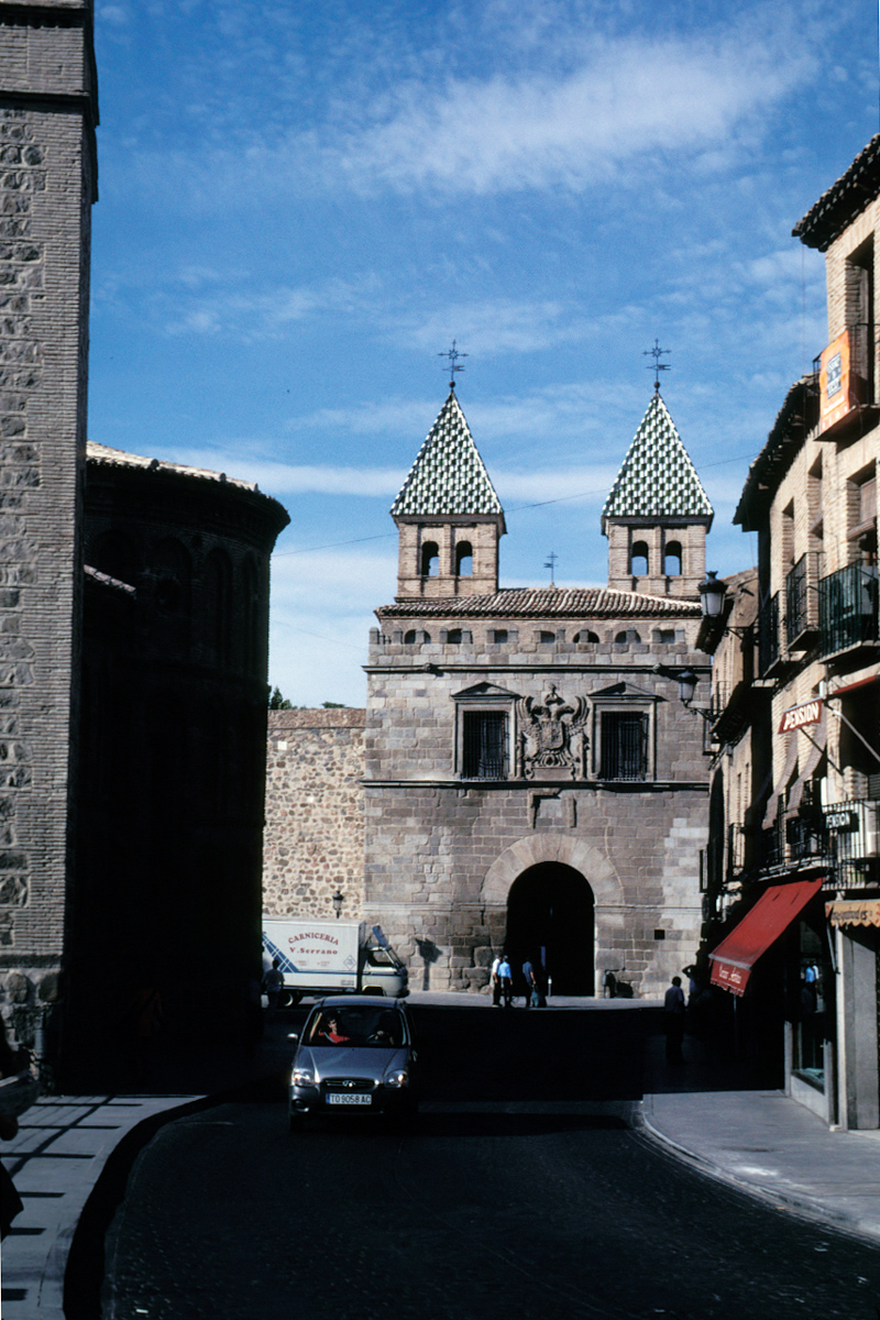 A view of the Bisagra gates at the entrance to the city
