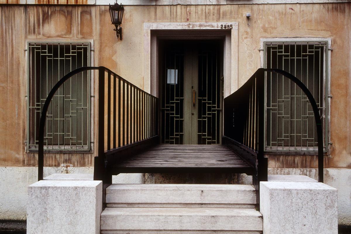 Deco Entryway