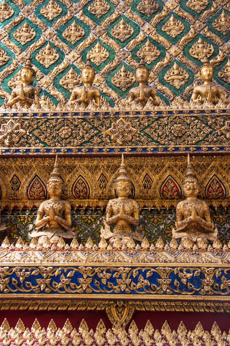 Seven Praying Statues