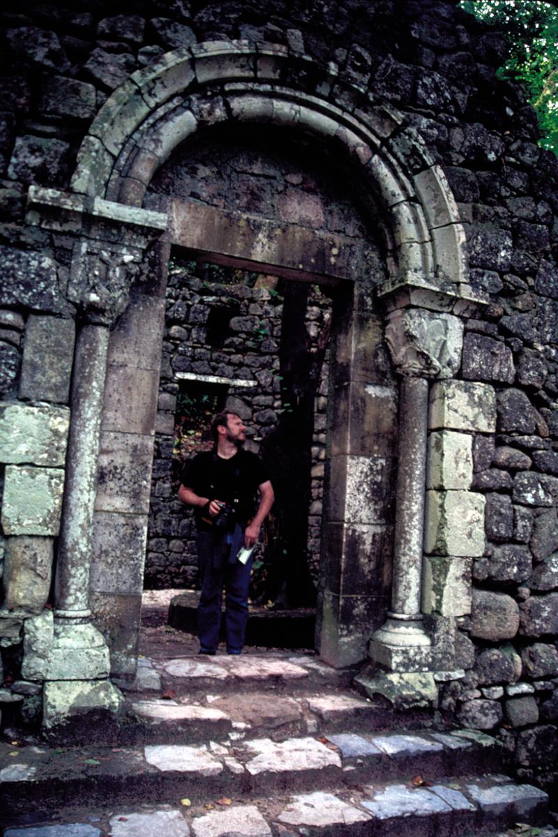Dan Explores the Romantic Ruin