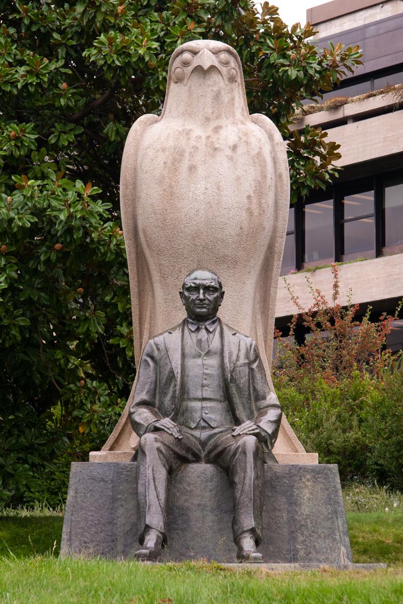 Statue of Calouste Gulbenkian