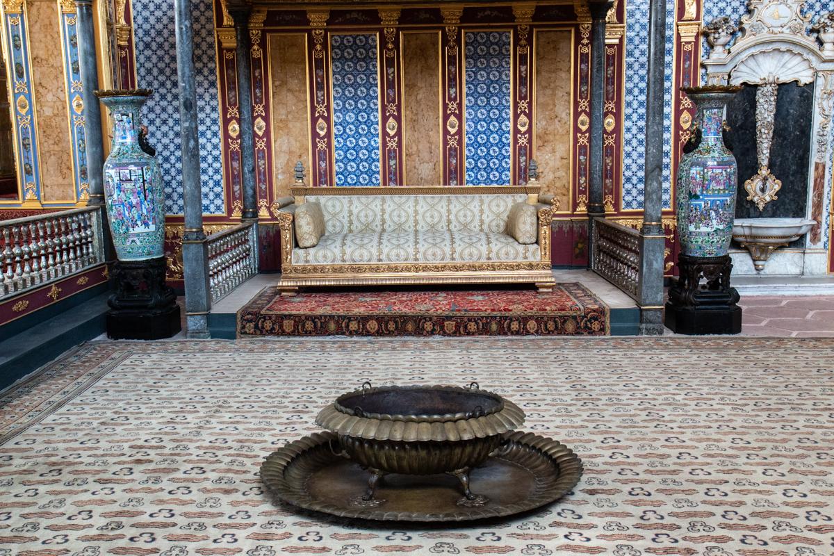 Sultan's Throne